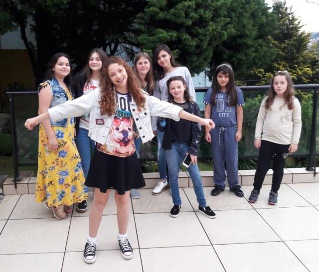 Mariana Salvati reuniu as amigas para festejar seu aniversário. Feliz aniversário linda!!