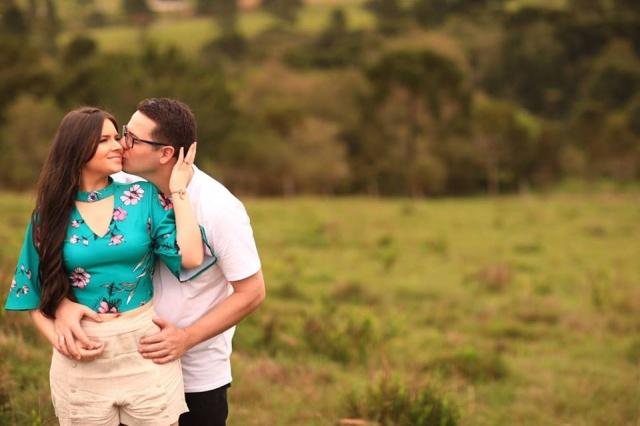 Casamento à vista! Vanessa Kruchinscki Mendonça e Leonardo Ribeiro Teles, casam-se neste sábado na Catedral Diocesana de Lages, com recepção no Restaurante Dom Pedrini.