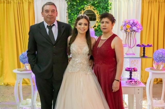 15 anos Neste mês a Ires Eduarda e seus pais Cássia e Jair Correa comemoraram seus 15 anos com uma linda festa no município de São José do Cerrito