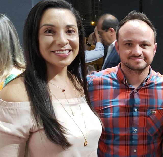 Danielle Cristina Sá Vieira e Guilherme Miranda prestigiando evento lageano