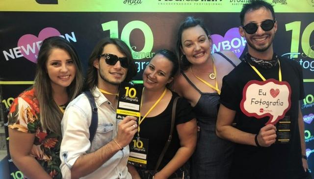 Talento lageano reunido no congresso de fotografia em Balneário Camboriú: Luana e Lucas da Cloud Fotografias; Andressa Fagundes, Caroline Parizotto e Filipi Mota