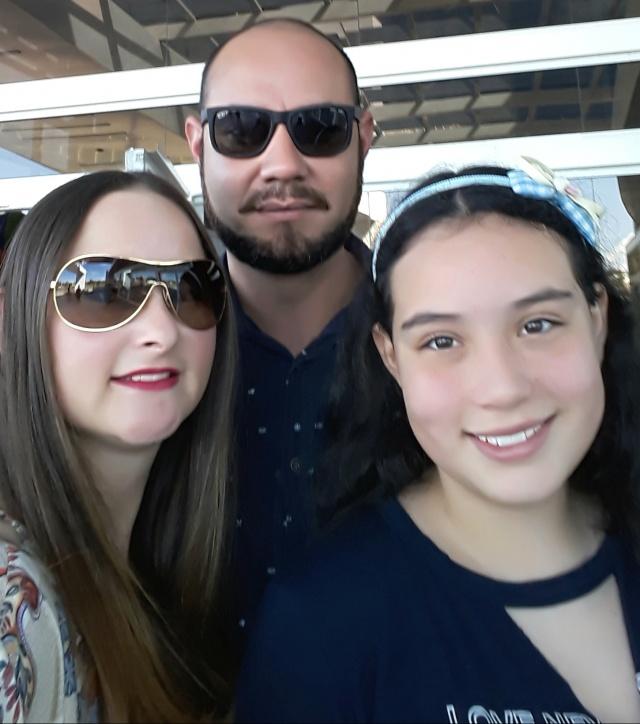 Denis Marcelo Santos festejou seu aniversário com a esposa Michele Griebler e filha Milena Cristine. Parabéns!