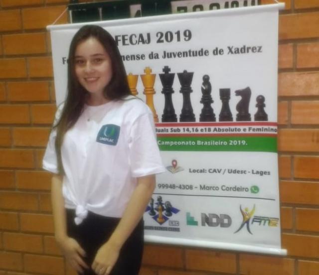 Bruna Córdova Machado, caloura de Biomedicina da Uniplac, está disputando o FECAJ 2019 – Festival Catarinense da Juventude de Xadrez. Talento lageano!
