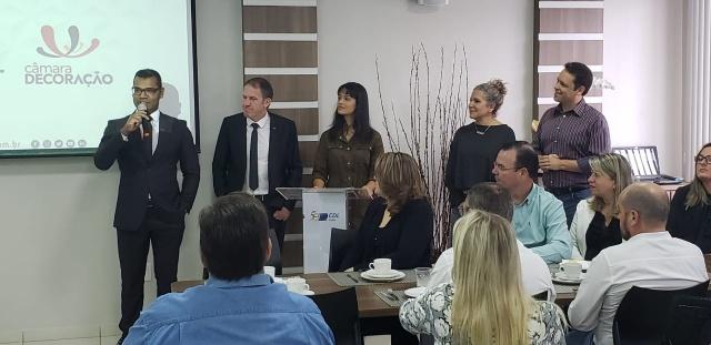 A diretoria da CDL deu as boas-vindas aos convidados do lançamento