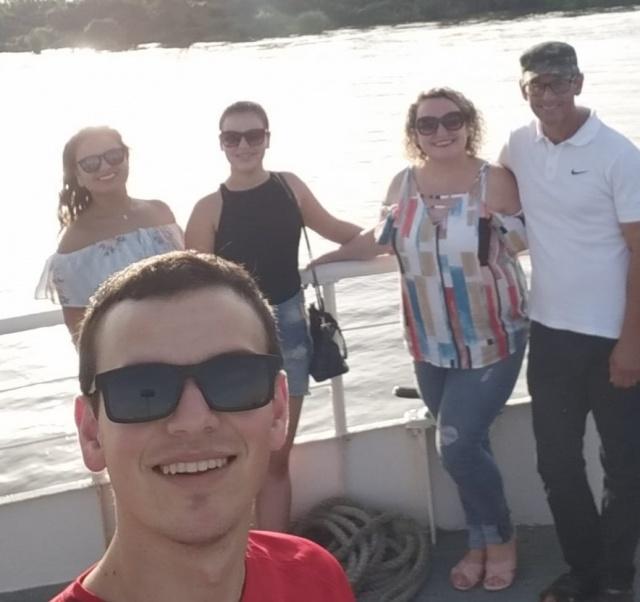 Família Bastos, de São José do Cerrito, em passeio de Catamarã no rio Guaíba