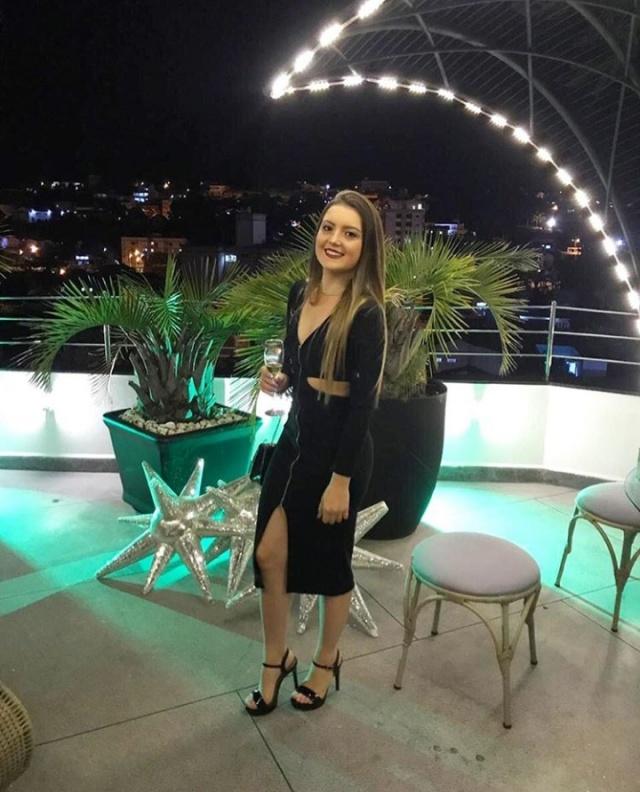Nathália Schmidt festejou no último domingo, 12 de maio, os seus 22 aninhos. A data mais que feliz foi festejada na cidade gaúcha de Gramado ao lado da família