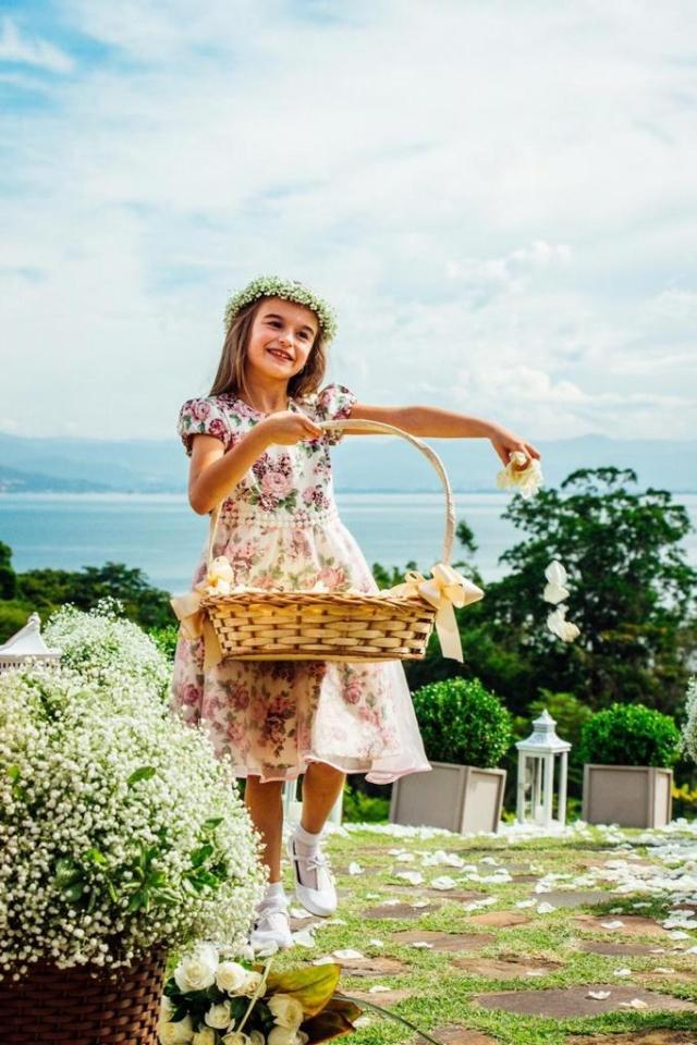 Maria Alice, uma princesa de daminha!