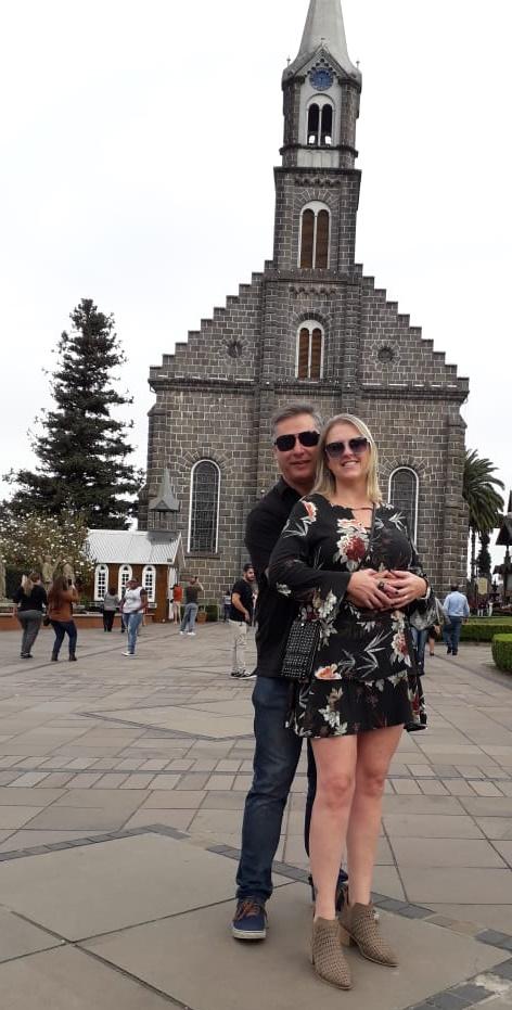 Sabrina Lopes Ern e Petterson Arruda curtindo uns dias em Gramado. Só love!