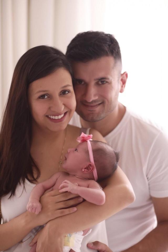 Chegou a Catarina Juliana Córdova e Miguel Rosa Oliveira felizes da vida com a chegada da princesa Catarina. A pequena nasceu no dia 11 de janeiro inundando de felicidade a vida do casal