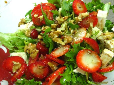 salada de morango com nozes (1)