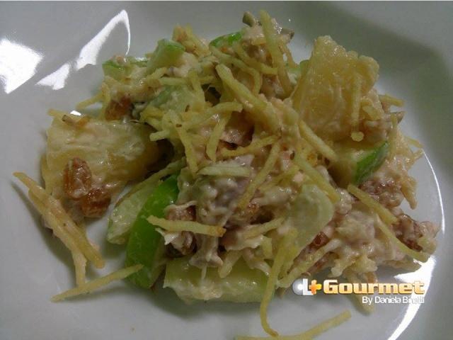 CL Gourmet 00112014 Salada de Peito de Frango Defumado com Abacaxi e Maca