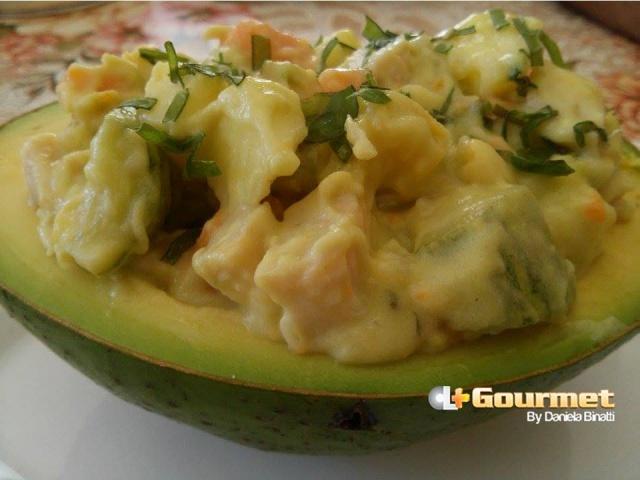 CL Gourmet 20112014 Salada de Abacate, frango e amaca