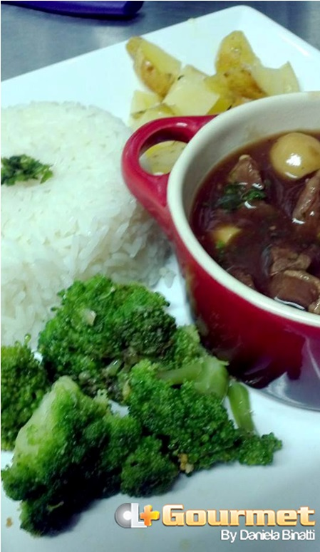 CL Gourmet 04052015 Estrogonofe de carne - Apresentacao
