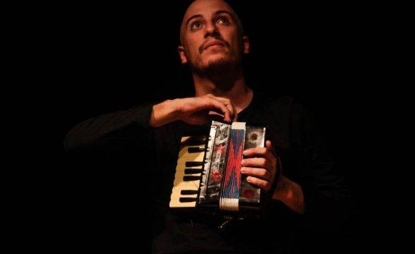 Sábado tem espetáculo Primeiro Milagre no Teatro do Sesc
