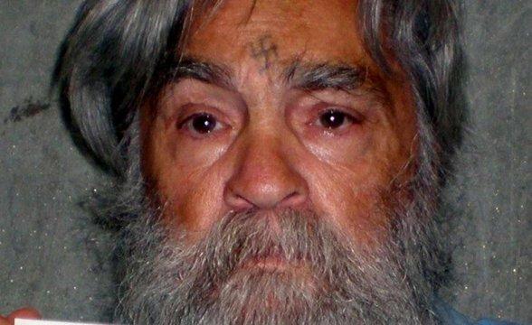 Assassino Charles Manson morre aos 83 anos, nos Estados Unidos