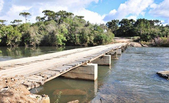 Ponte interditada no Bodegão