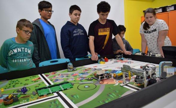 RobôBaio representa Lages em torneio de robótica